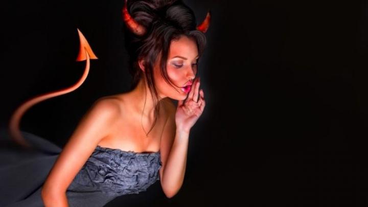 HOROSCOP: Sunt răutatea întruchipată! Trei zodii de femei malefice, cu care nu trebuie să te pui