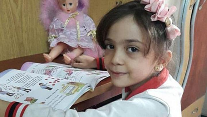 """""""Simt moartea..."""" MESAJUL TULBURĂTOR al unei fetițe de 7 ani, scris pe Twitter"""