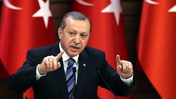 La doi ani de la puciul eşuat, Erdogan îşi întăreşte puterea executivă. Decretele emise
