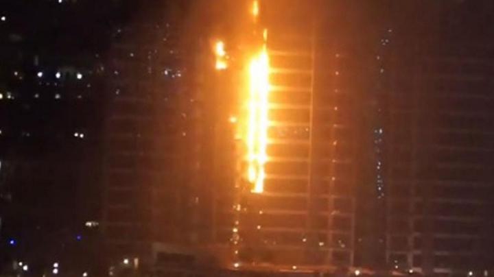 INCENDIU DEVASTATOR într-un zgârâie-nori din Dubai (VIDEO)