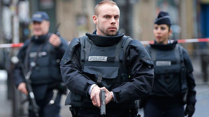 Luarea de ostatici din Paris s-a încheiat, agresorul a reușit să fugă
