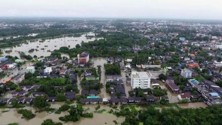 Thailanda: Ploile torențiale din ultimele zile AU UCIS cel puțin 14 persoane, în plin sezon turistic