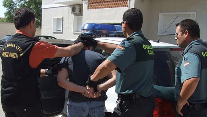 Credea că va scăpa nepedepsit, dar s-a trezit la ușă cu oamenii legii. Secretul unui moldovean din nordul Spaniei