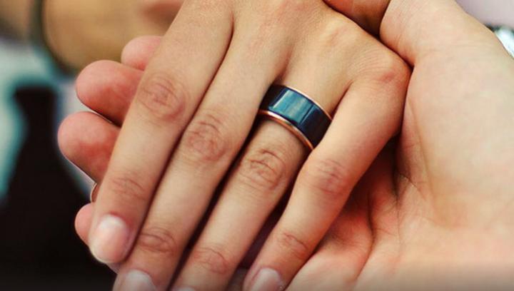 Invenţie SENZAŢIONALĂ: Inelul care-ţi permite să asculţi bătăile inimii partenerului