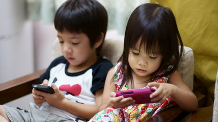Utilizarea telefoanelor mobile, asociată cu înmulțirea problemelor de vedere la copiii din Japonia
