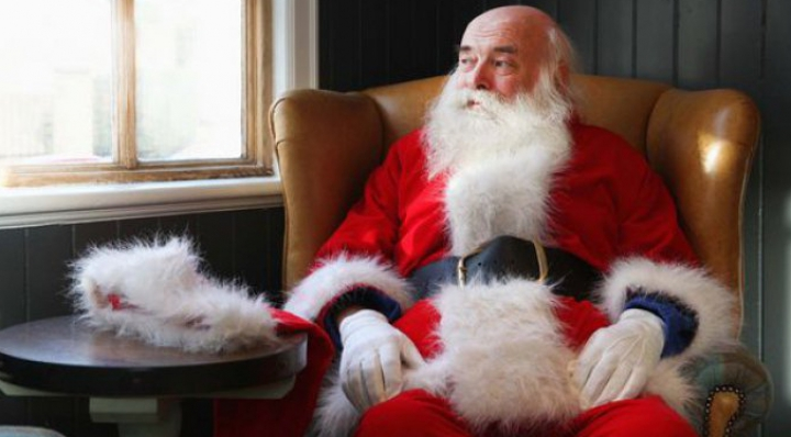 MOTIVUL BIZAR pentru care islandezii îşi fac cadou haine groase de fiecare Crăciun