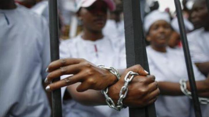 Africa de Sud: Trei morți și aproape 30 de răniți în urma unei revolte la un centru de detenție