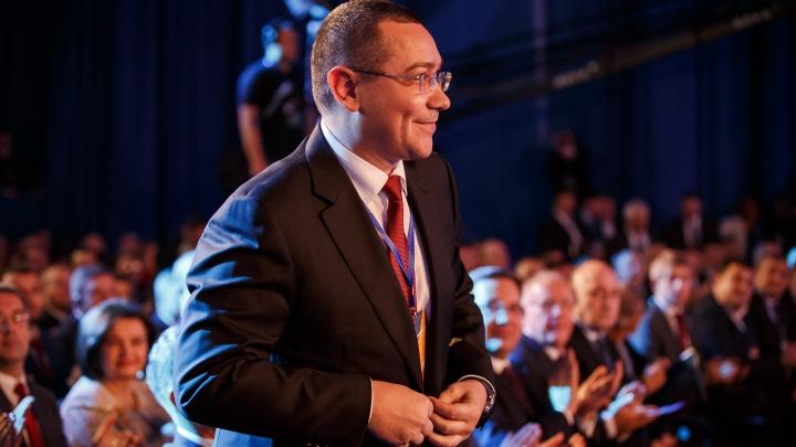 Victor Ponta a fost decorat cu Ordinul Republicii