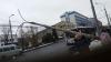 Circulația troleibuzelor, blocată pe o stradă importantă din Capitală: Un stâlp a căzut peste liniile electrice (FOTO)
