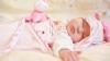 MORI DE RÂS! Cum a fost surprinsă o mamă care iese din camera copilului pe care îl adormise (VIDEO VIRAL)