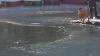 NO COMMENT: Un bărbat a sărit în apa înghețată ca să salveze un câine care se îneca (VIDEO VIRAL)