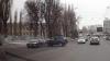 ZIUA ÎN AMIAZA MARE! Accident ciudat filmat în Capitală. Două maşini, făcute zob (VIDEO)