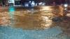 Inundaţie în sectorul Râşcani! Apa ţâşneşte de sub asfalt: Traficul rutier, îngreunat (FOTO/VIDEO)