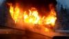 Un autobuz în care se aflau mai mulţi elevi A LUAT FOC. Ce a provocat incendiul devastator (VIDEO)