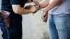 AU FOST PRINȘI! Cinci moldoveni vindeau heroină în Chișinău și pușcării