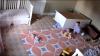 EROU la doi ani! Un băieţel şi-a salvat fratele geamăn după ce un dulap a căzut peste el strivindu-l (VIDEO)