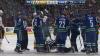CLIPE DE COŞMAR în partida Vancouver Canucks - Nashville Predators. Arbitrul meciului, LOVIT cu pucul în cap