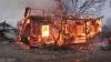 O femeie a ars de vie încercând să-şi salveze copii dintr-un incendiu devastator