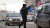 (VIDEO) Ce faci când polițistul ți-a văzut încălcarea? REACȚIE AMUZANTĂ