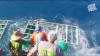 ŞOCANT! Un scafandru a scăpat MIRACULOS după ce un rechin a intrat în cuşca subacvatică (VIDEO)
