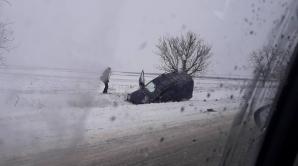 ACCIDENT! Două automobile s-au ciocnit frontal pe o şosea din raionul Orhei (FOTO/VIDEO)