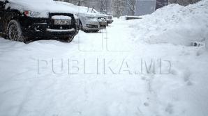 POTOP ALB la Comrat: Viscol puternic şi ninge! Maşinile, ÎMPOTMOLITE în nămeţi (VIDEO)
