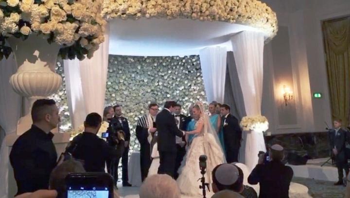ONORARIU GENEROS primit de Mariah Carey şi Elton John pentru a cânta la nunta nepoatei unui miliardar rus