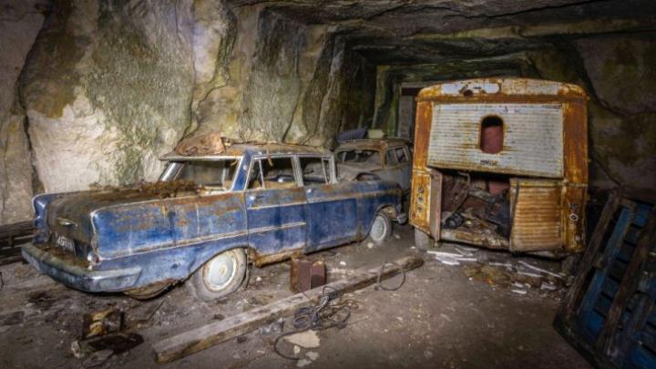 Maşini din timpul celui de-Al Doilea Război Mondial, găsite în peşteră. UIMITOR ce era în ele (FOTO)