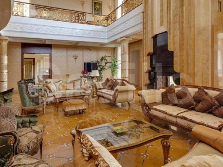 CEA MAI SCUMPĂ VILĂ din Rusia costă peste PATRU MILIARDE de ruble. Cum arată locuinţa (FOTO)