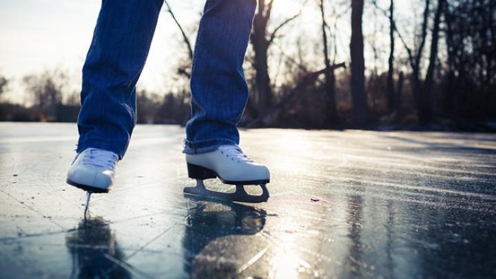 PLĂCUT ŞI UTIL! Patru sporturi de iarnă, bune pentru sănătate