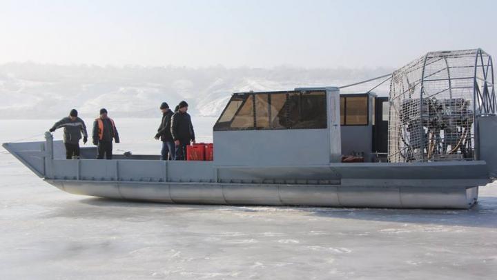 Aeroglisorul adus la Molovata ESTE FUNCŢIONAL. A transportat produse alimentare și pasageri (FOTOREPORT)