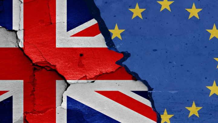 Ministrul irlandez de Externe: Scenariul ieşirii Marii Britanii din UE fără un acord este unul improbabil