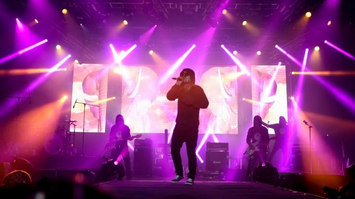 Băieţii de la Carla's Dreams au avut probleme la primul concert din 2017