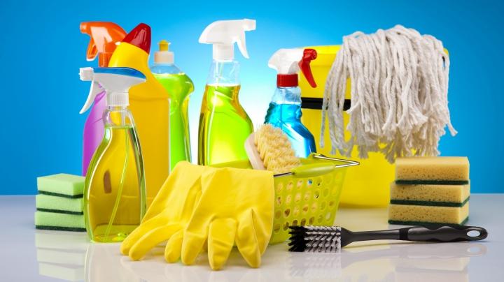 ATENŢIE! Produse de curățare și îngrijire pe care nu ar trebui să le amesteci niciodată
