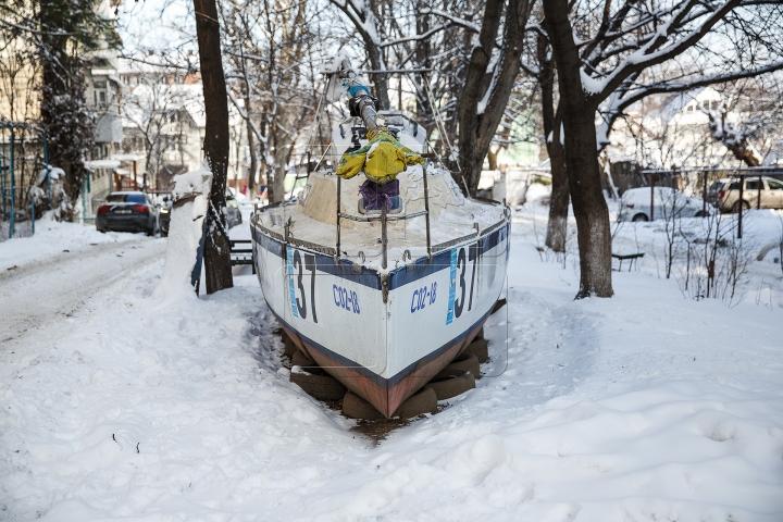 IAHT în mijlocul unei curți din Chișinău! Cum a ajuns acolo și când va face înconjurul lumii (FOTOREPORT)