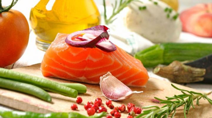 STUDIU: Dieta mediteraneană are efecte benefice pentru persoanele care suferă de depresie