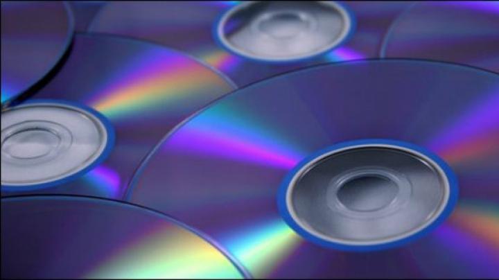 MOTIVUL pentru care CD-urile și DVD-urile sunt inscripționate dinspre interior spre exterior
