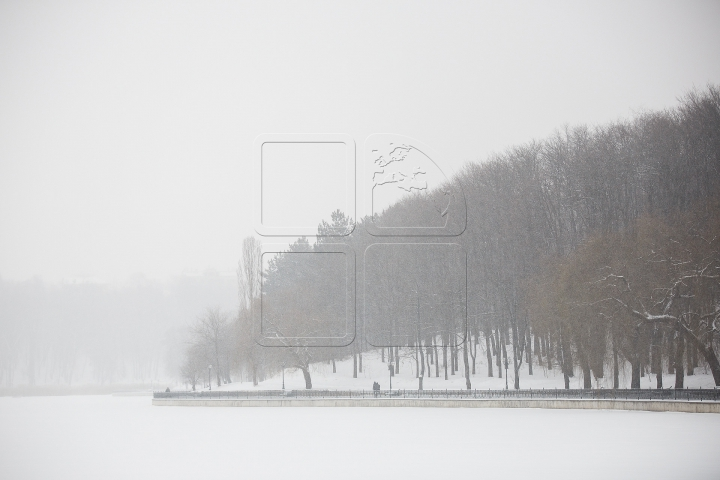COD GALBEN de NINSORI PUTERNICE în Chișinău. Cum a arătat Capitala înzăpezită (FOTO)