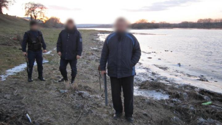 Un minor şi un bărbat, cercetaţi pentru încălcarea regimului de frontieră. Ce ilegalităţi au comis