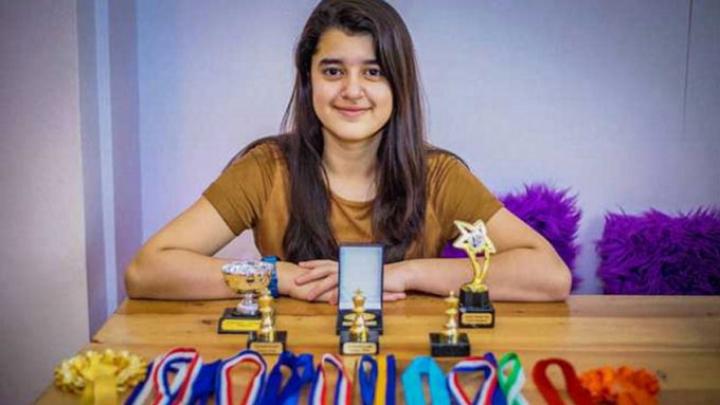 UIMITOR! Cel mai inteligent om de pe planetă este o elevă de 11 ani