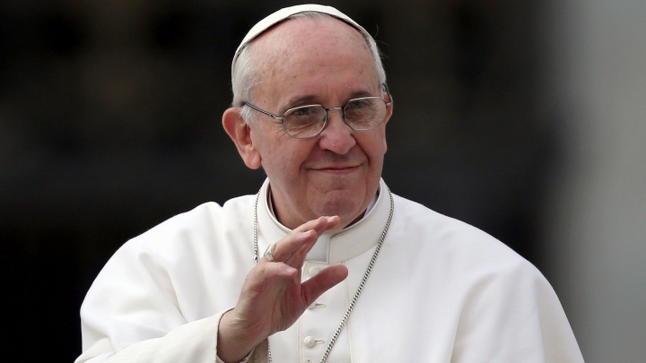 Papa Francisc înseamnă politicienii să renunțe la insulte şi să asculte mai mult