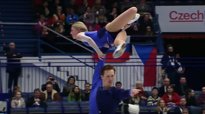 SPECTACOL PE GHEAŢĂ la Ostrava! Tarasova şi Morozov au câştigat titlul european la patinaj artistic