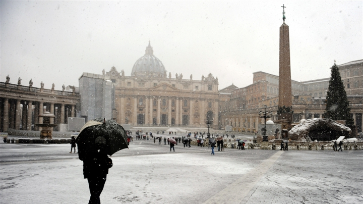 Vaticanul deschide ușile unei biserici pentru cazarea pe timp de noapte a persoanelor fără adăpost