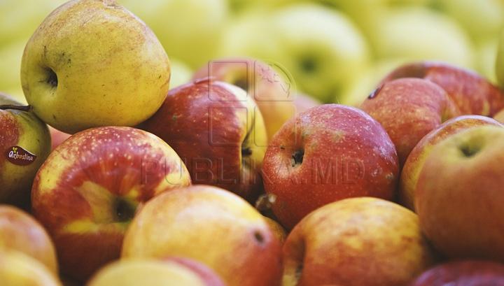 Standardele de calitate pentru mai multe fructe şi legume proaspete, ajustate la normele europene