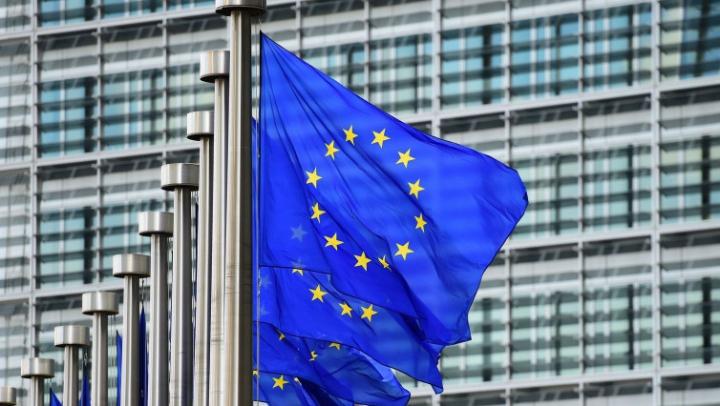 Uniunea Europeană își menține CONTROALELE LA FRONTIERE încă trei luni