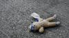 TRAGIC! Un băieţel de 5 ani, găsit mort pe stradă. Cum au fost pedepsiți părinții