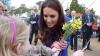 REACŢIA ULUITOARE a lui Kate Middleton când a fost îmbrăţişată de o fetiță (FOTO)