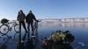 COMPETIŢIE EXTREMĂ pe lacul Baikal. Sportivii au parcurs 205 kilometri pe gheaţă, în trei zile