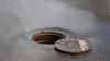 Aur în valoare de 2 milioane de dolari și alte bunuri, găsite într-un sistem de canalizare