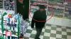 Dacă ai recunoscut ESCROCUL, anunţă Poliţia! Ce infracţiune a comis bărbatul din imagini (VIDEO)